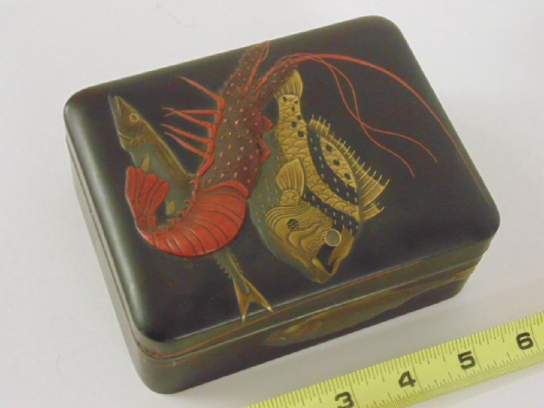 Extraordinary Japanese Meiji period lacquer box
