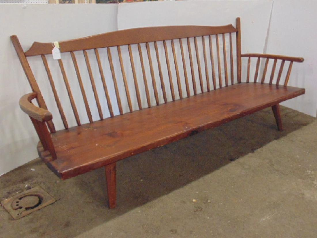 Hunt Country arm bench, spindle back - 2