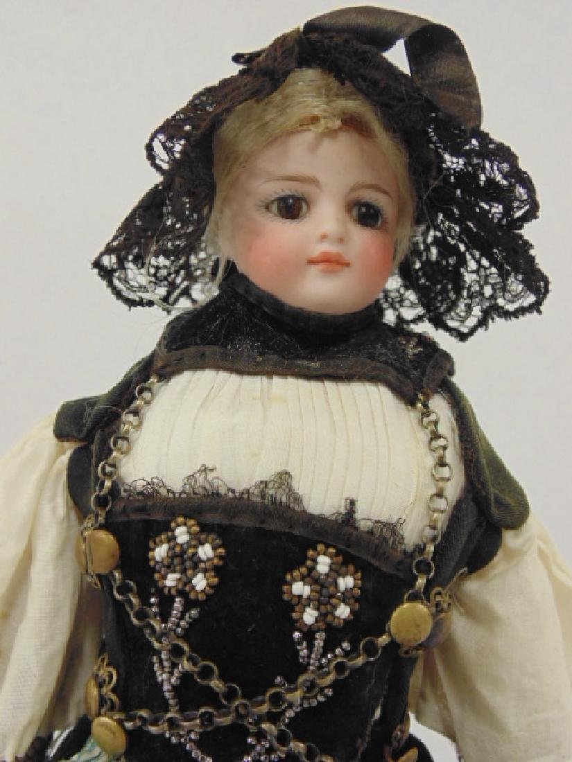 Bisque doll, porcelain head & arms, in ethnic dress - 2