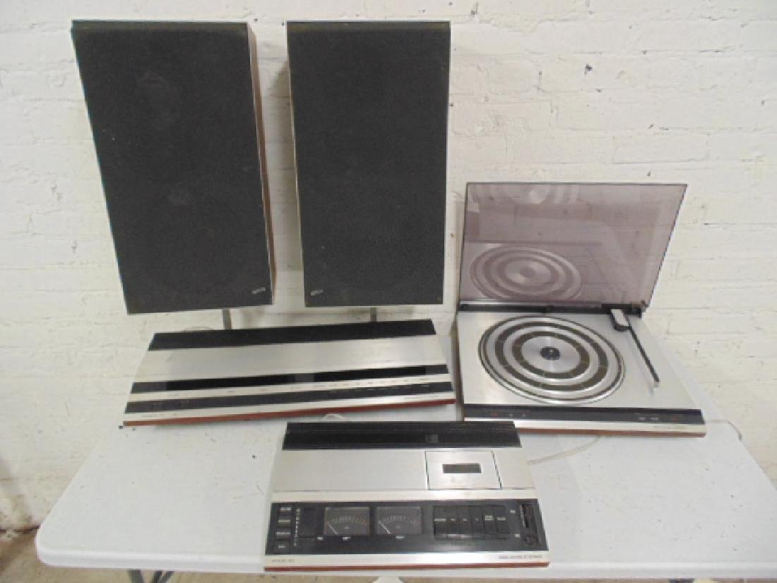 Bang & Olufsen stereo set in mid Century rosewood - 4