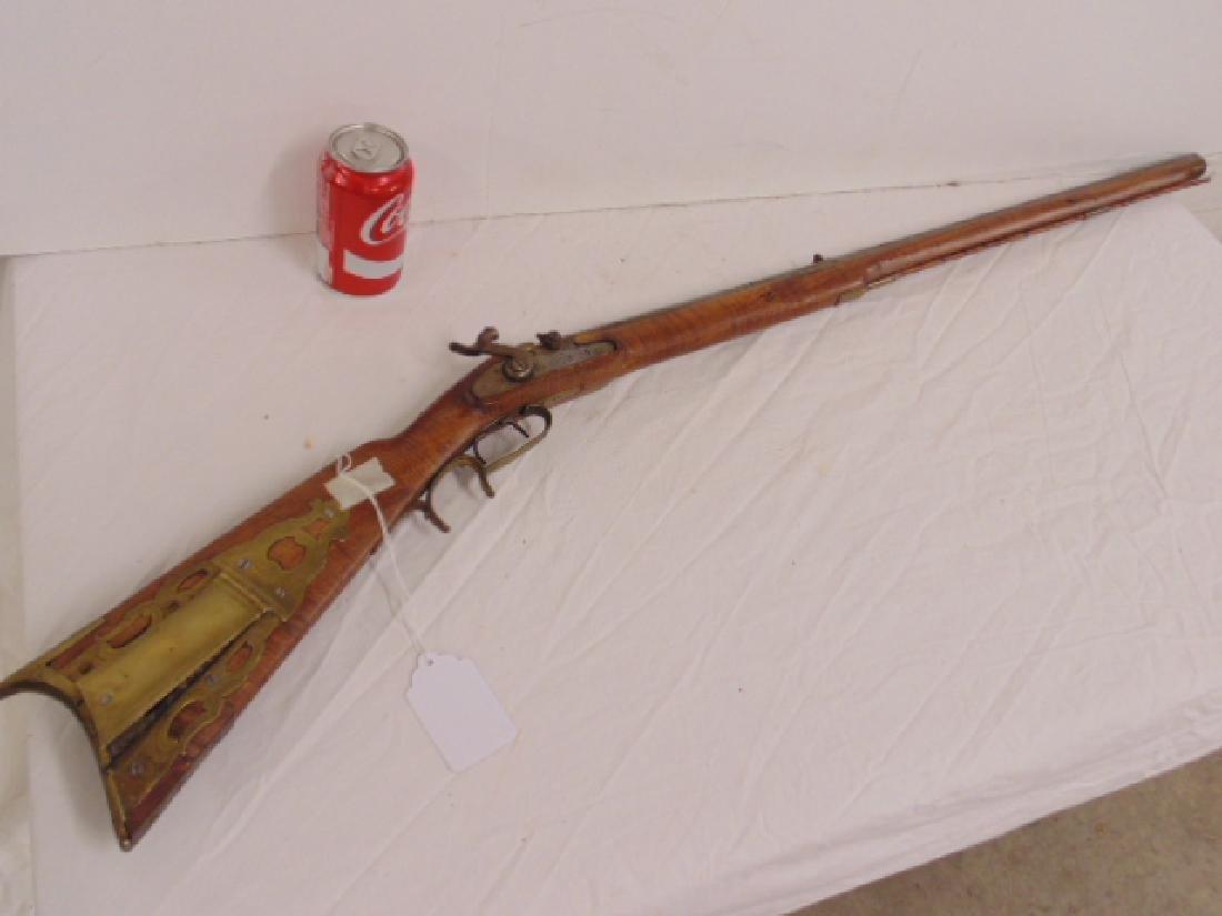 Early black powder rifle, octagonal barrel