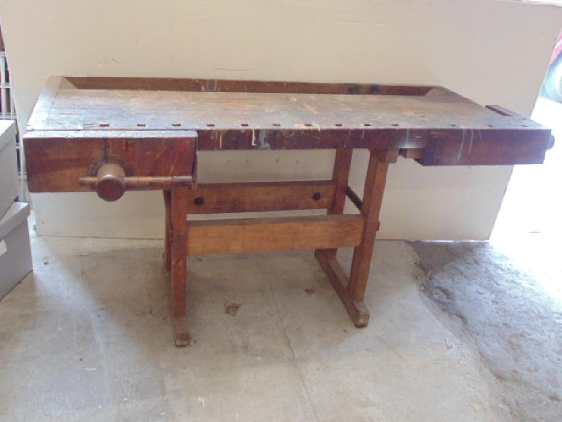 Christiansen workbench, 2 vices