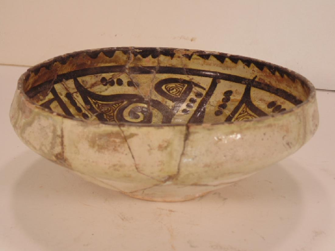 Nishapur Islamic Ceramic bowl, decorated with floral, - 2