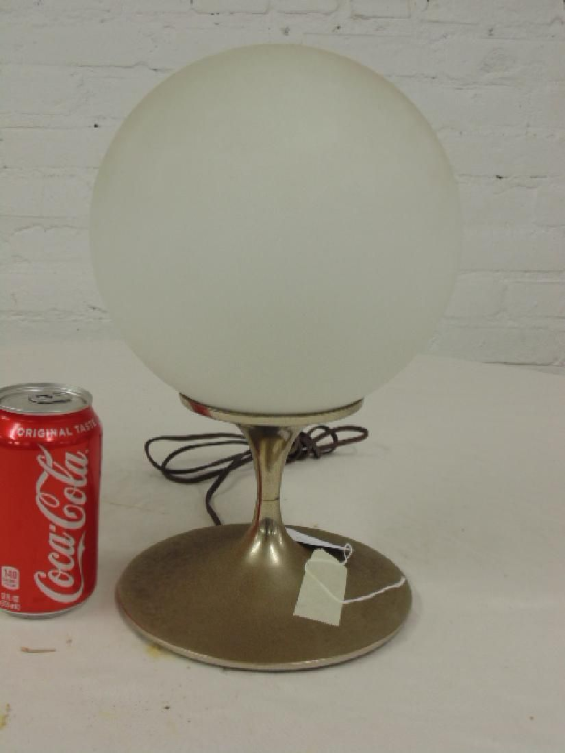 Mid Century table lamp by Laurel Lamp company, No.