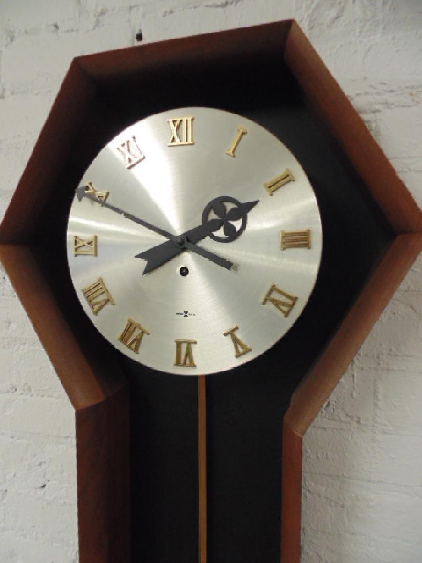 Howard Miller mid Century wall clock, model 557, - 2