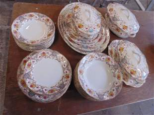 Richmond floral decorated dinnerware set