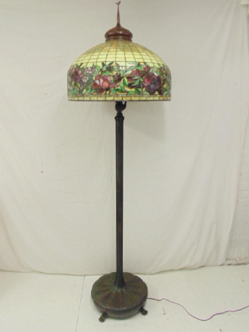 Tiffany style floorlamp with leaded shade, heavy bronze