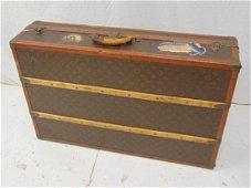 Louis Vuitton steamer trunk, vintage Vuitton trunk in