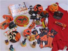 Lot vintage Halloween items push toys noise makers