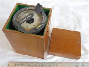 Medium Landing Compass, R.C.A.F. handheld compass with