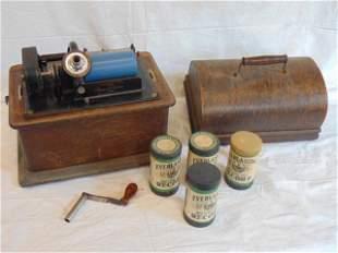 Edison Standard Phonograph, Model D, with crank, 4
