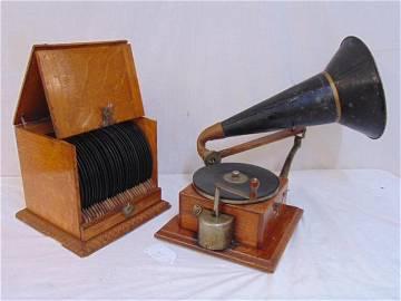 Berliner Gramophone & record case, National Gramophone