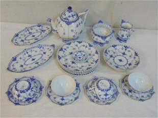 Set Blue Onion Royal Copenhagen porcelain, includes two