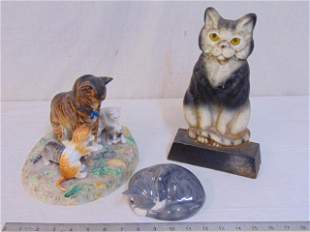 Cat lot, doorstop, porcelain, 3 pieces, includes cast