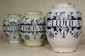 101: Lot 3 blue & white apothecary jars
