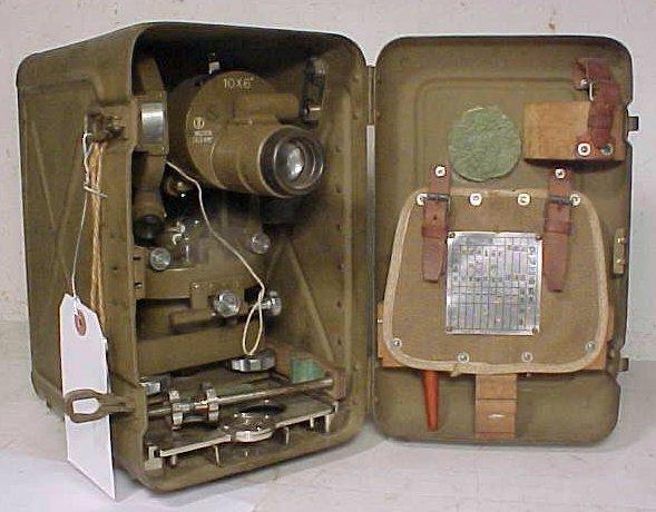 10: Japanese military theodolite in original case, WW2