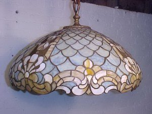 105: Fine quality hanging leaded dome