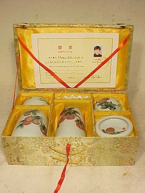 Set 6 pieces Chinese porcelain, with certificate
