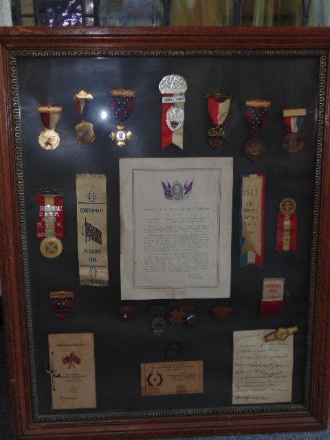 Framed collection of comm. confederate medals