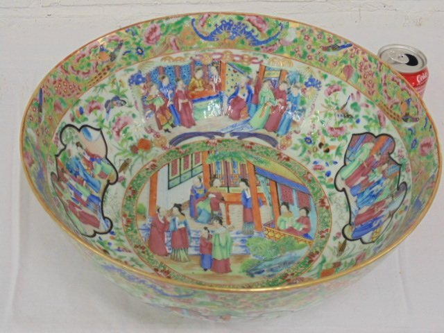 "Chinese Rose Medallion punch bowl 14.25""x6"""