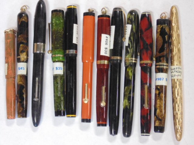 Lot 12 mixed fountain pens, Sheaffer, Bulldog
