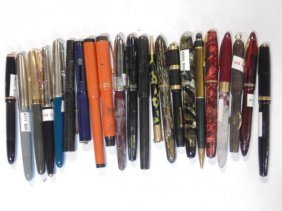 Lot of 22 mixed fountain pens & pencils