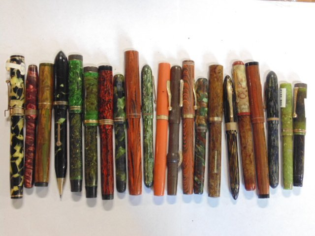Lot of 21 vintage fountain pens Waterman's etc.