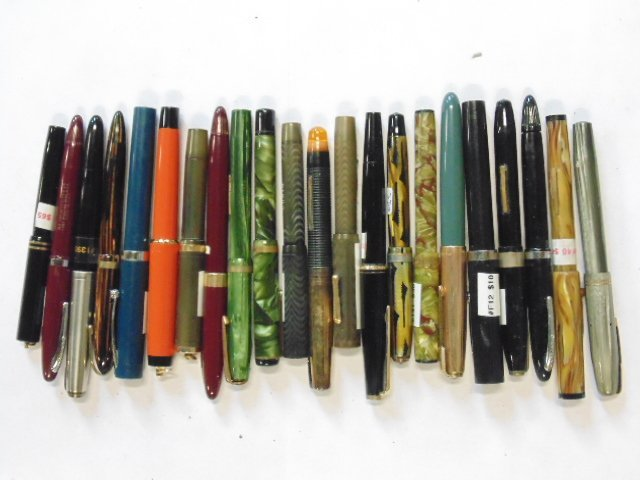 Lot of 22 vintage fountain pens, Conklin, Sheaffer &