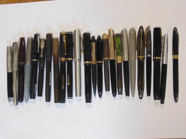 Lot of 24 fountain pens