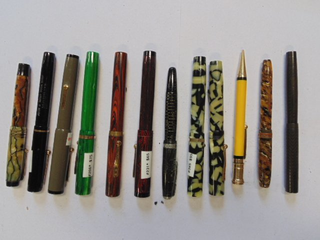 Lot 12 pens & fountain pens