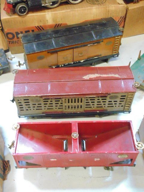 Large set of early Lionel trains - 6
