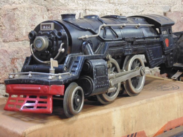 Large set of early Lionel trains - 9