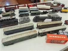 Lot HO scale Marklin trains, locomotives & cars