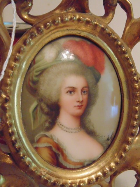 Pair of miniature portraits on porcelain, signed - 3