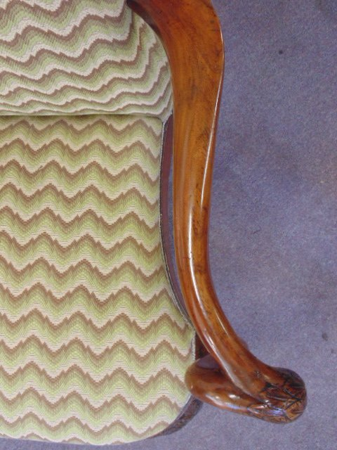 Antique Chippendale love seat - 8