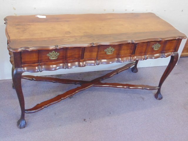 Library desk, scalloped edge, stretcher base - 2