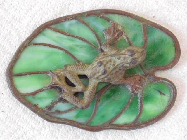 Bronze frog glass Lilly pad, Reading Hardware Company - 2