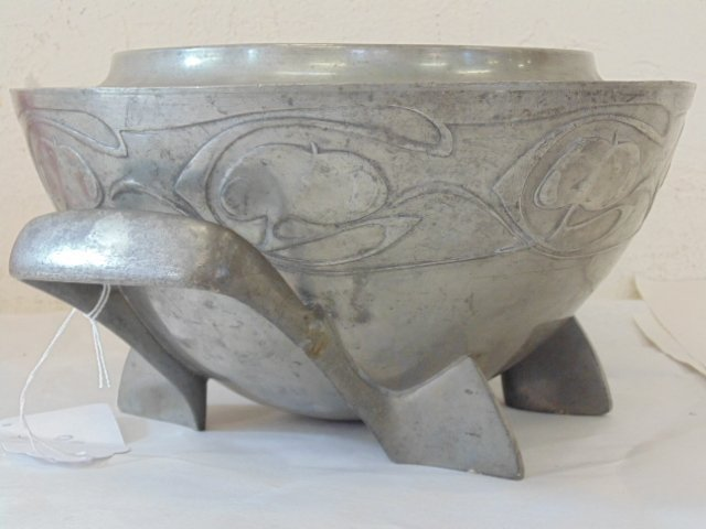 English pewter art nouveau bowl - 3