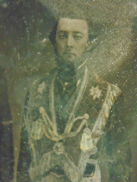 Daguerreotype photograph,  figures in military uniforms - 4