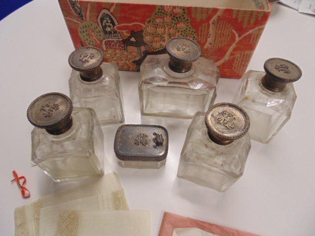 Heinrich Astor toilet set, 3 handkerchiefs, Mrs.. Astor - 2
