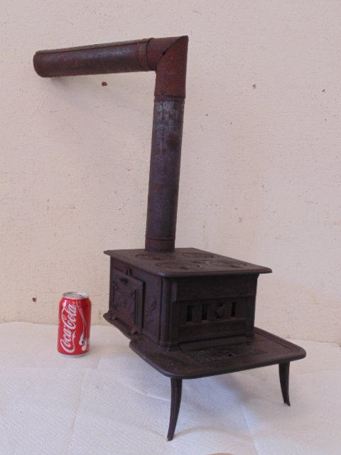 """""""The Doll"""" toy cast iron cook stove - 2"""