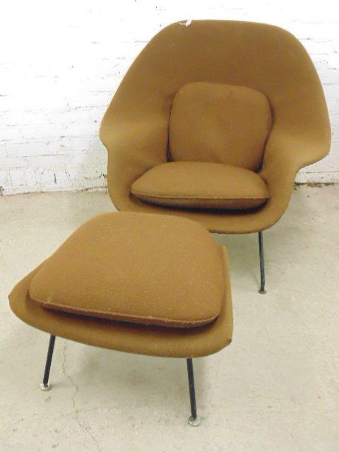 Knoll, Saarinen womb chair & ottoman