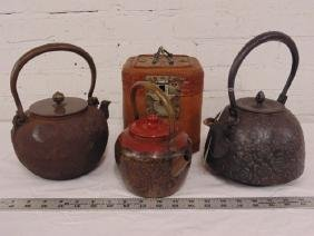 Lot of 3 Chinese tea pots