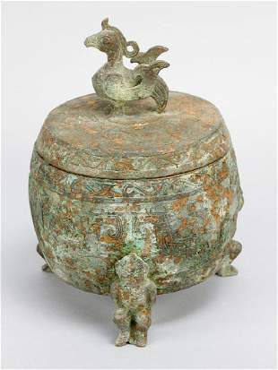 Archaic bronze bowl with lid in Song manner