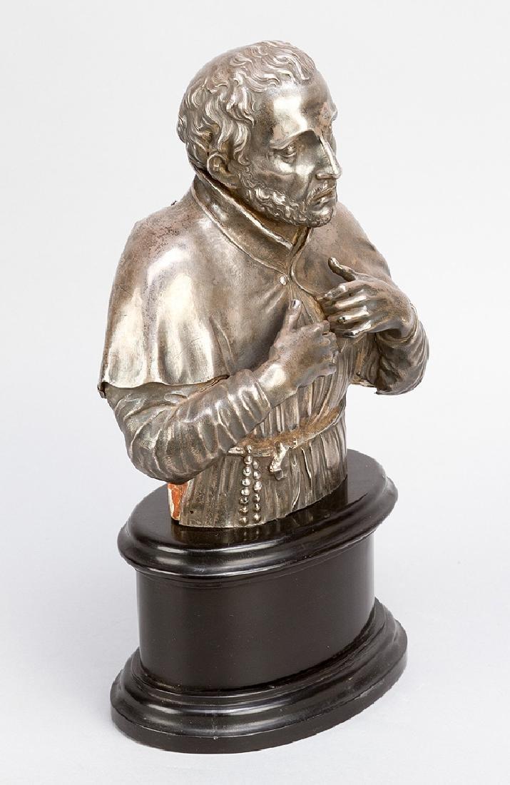 Italian silver sculpture of a saint - 2