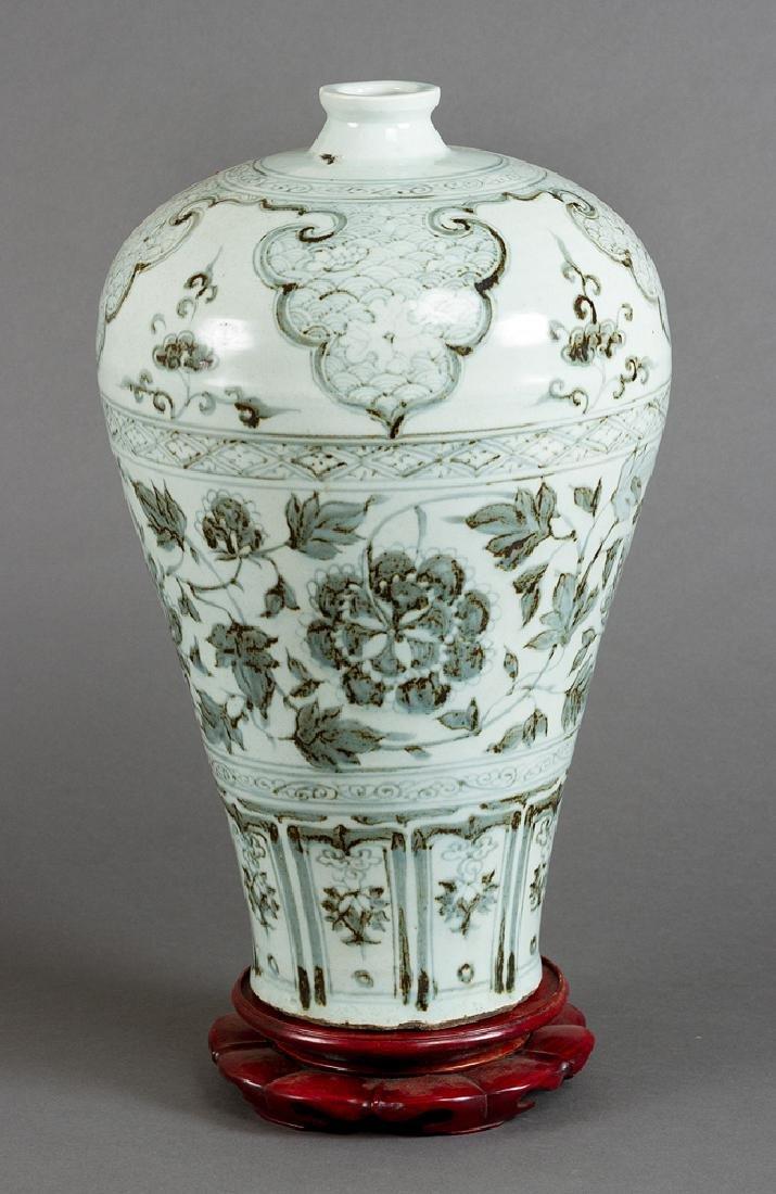 Meiping porcelain vase