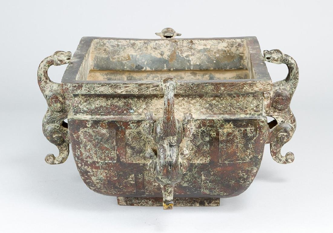 Chinese bronze bowl in archaic style