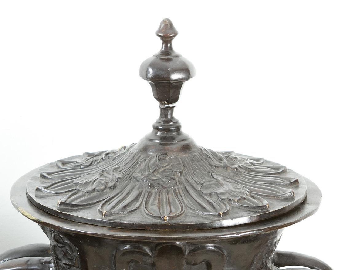 Pair of Monumental bronze Vases - 2