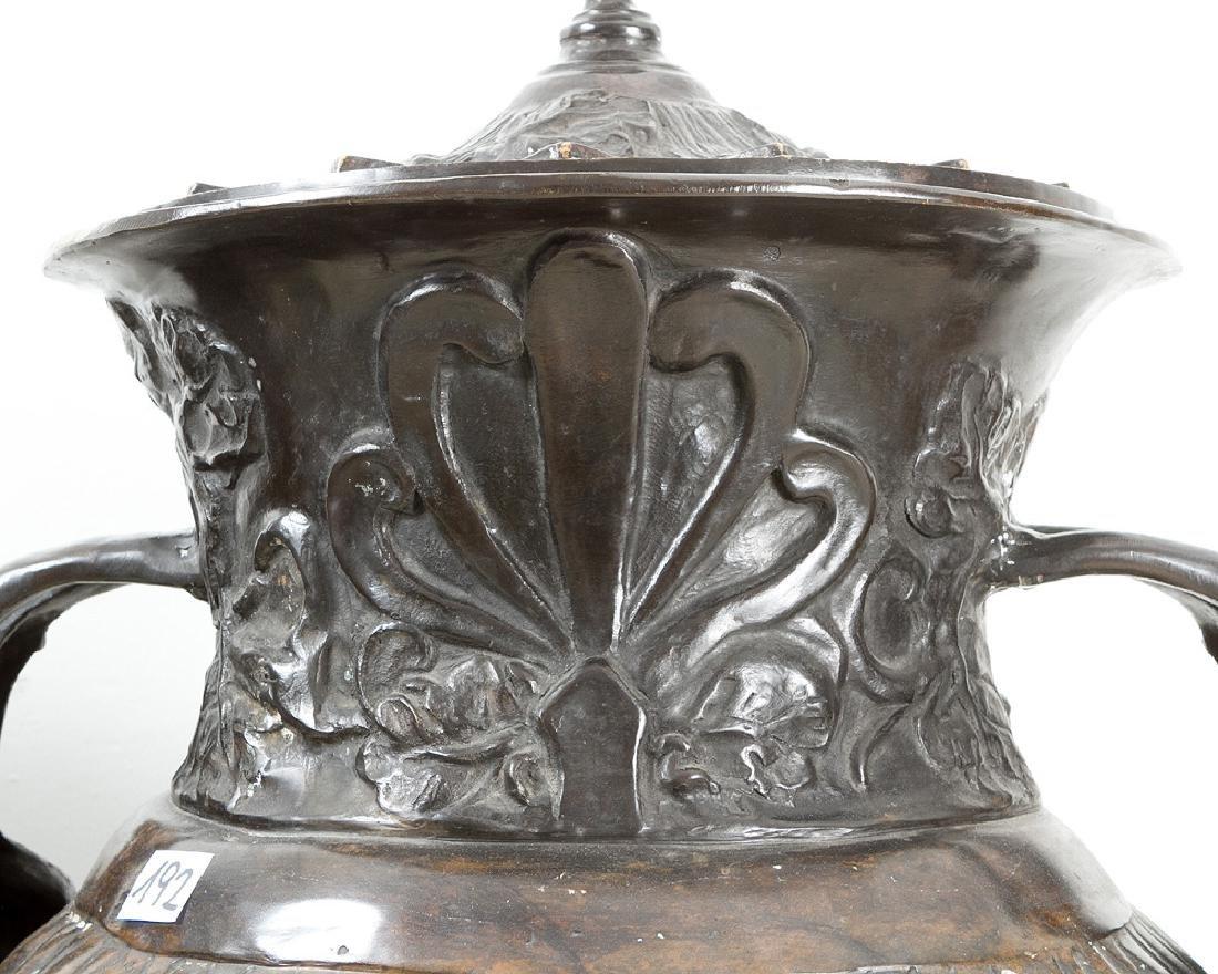 Pair of Monumental bronze Vases - 3
