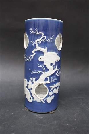 Mandarin porcelain cap stand